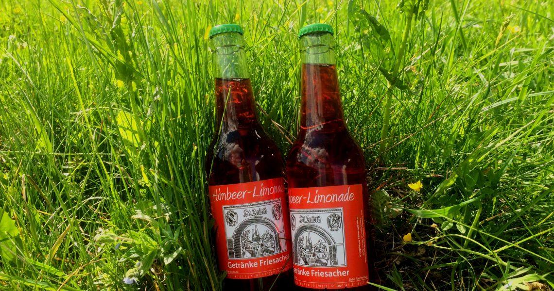 Himbeerkracherl im Grünen genießen - Getränke Friesacher