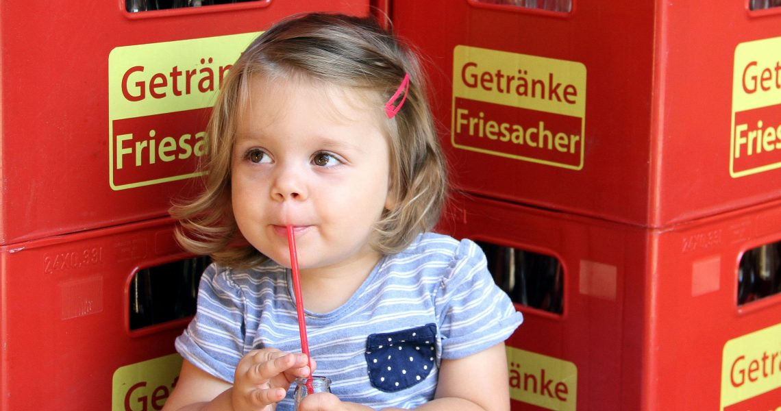 Kinder lieben die Limonade von Getränke Friesacher