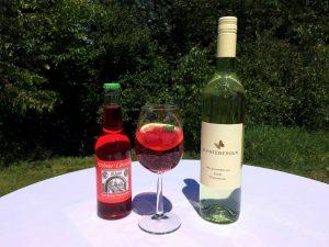Himbeerkracherl Weißweinspritzer Getränke Friesacher
